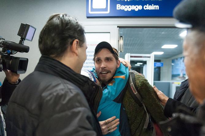 Гражданин России Константин Журавлев, захваченный боевиками в Сирии в 2013 году, в аэропорту Томска