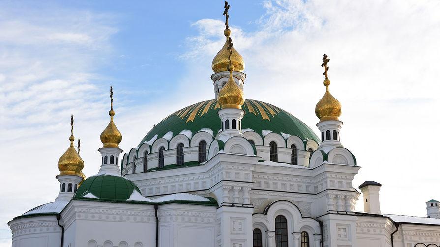 Трапезный храм Киево-Печерской лавры в Киеве