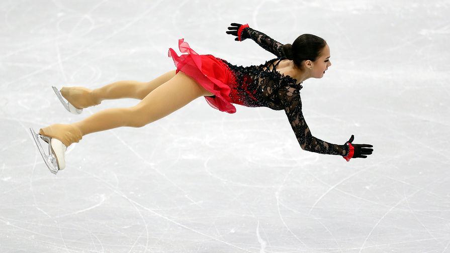 Алина Загитова во время выступления в произвольной программе женского одиночного катания на чемпионате Европы по фигурному катанию в Минске, 25 января 2019 года