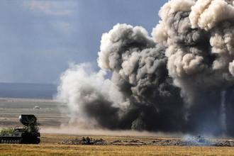 Установка разминирования УР-77 «Метеорит» во время основного этапа стратегического командно-штабного учения «Центр-2019» на полигоне «Донгуз»