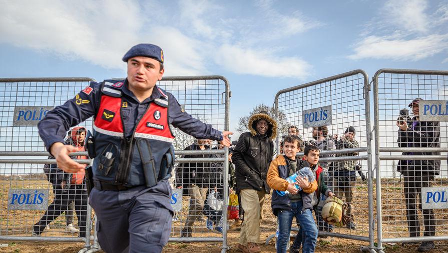 Анкара назвала глав МИД ЕС лицемерами на фоне миграционного кризиса