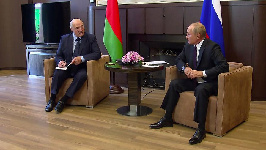 Президент Белоруссии Александр Лукашенко и президент России Владимир Путин во время встречи в Сочи, 14 сентября 2020 года