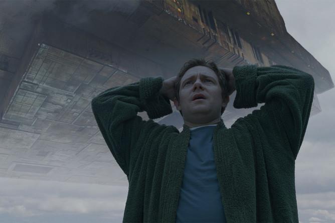 Кадр из фильма «Автостопом по галактике» (2005)