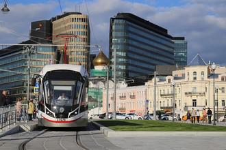 Площадь у Белорусского вокзала реконструирована, по ней пустили трамвай