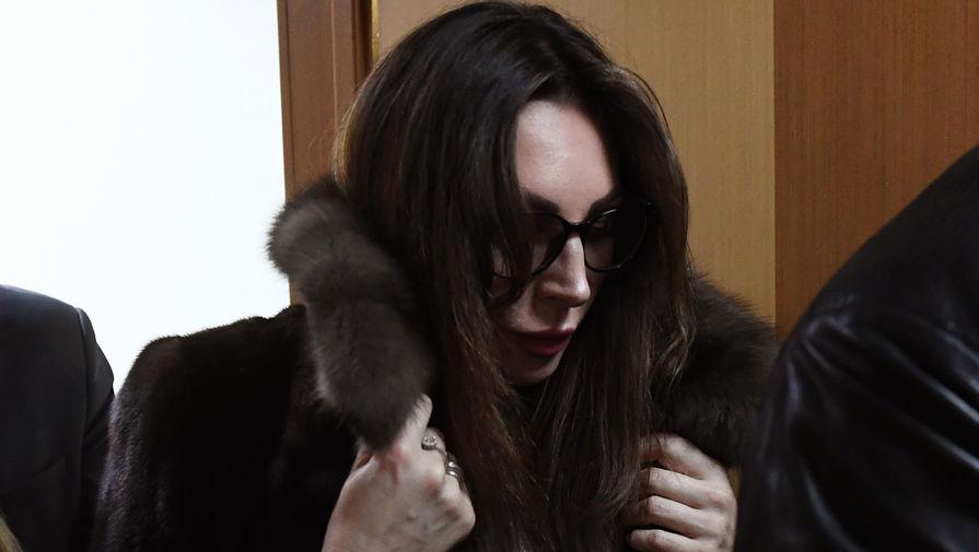 После скандала с наркотиками Бочкарева продает «Кадиллак»