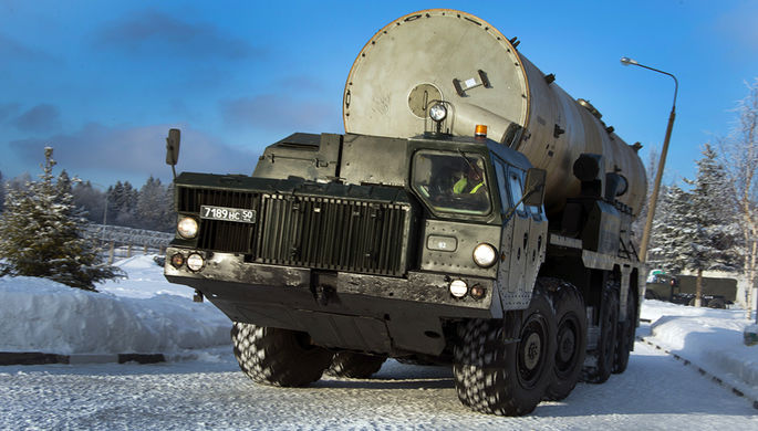 Транспортно-установочный агрегат 5Т92 комплекса противоракетной обороны А-135 «Амур» на шасси МАЗ-543М