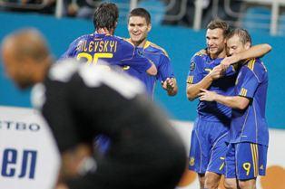 Только что Андрей Шевченко забил второй мяч в ворота Николая Михайлова
