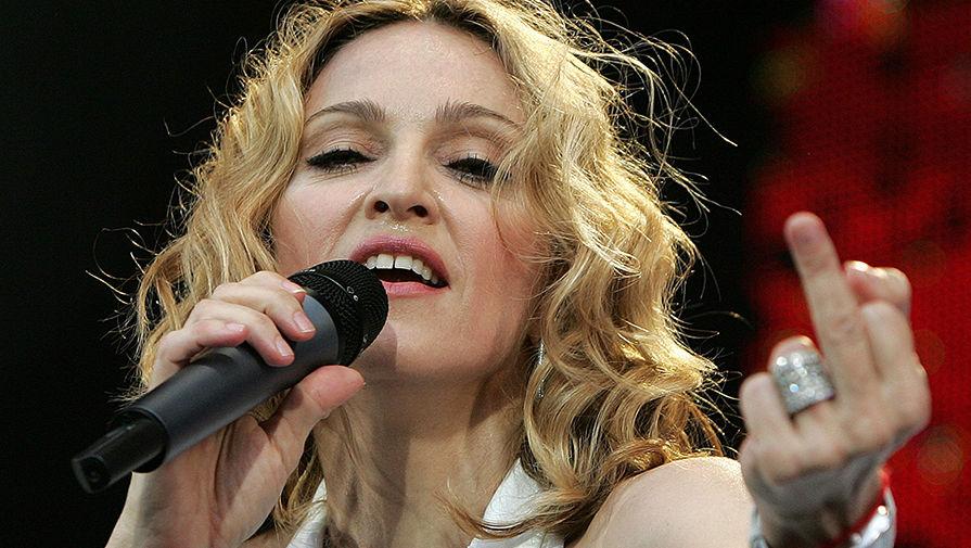 Мадонна с дочерью шокирующиефото похудевшей певицы
