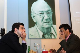 Владимир Крамник победил белыми Вишванатана Ананда