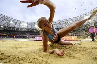 Дарья Клишина уверенно прошла квалификацию чемпионата мира, улетев дальше всех