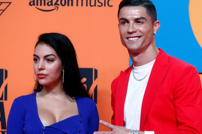 Гости церемонии футболист Криштиану Роналду и Джорджина Родригес