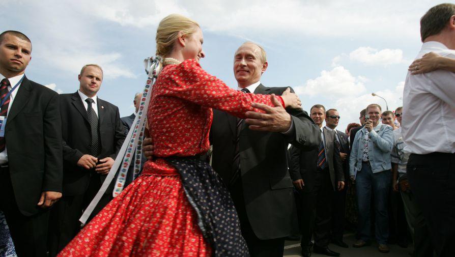 Владимир Путин во время визита в Саранск, 2007 год