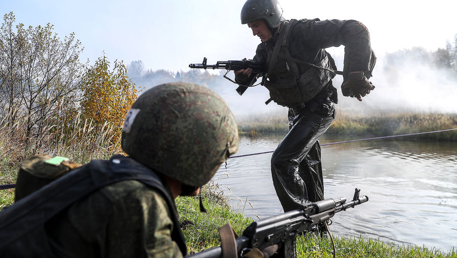 Учат жизни в тайге: как старообрядцы помогают военным России