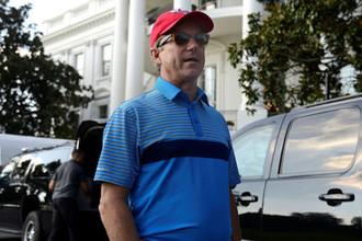 Сенатор Рэнд Пол около Белого дома после игры в гольф с президентом США Дональдом Трампом, октябрь 2017 года