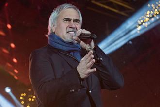 Певец Валерий Меладзе во время концерта в честь открытия казино в Сочи, 2017 год