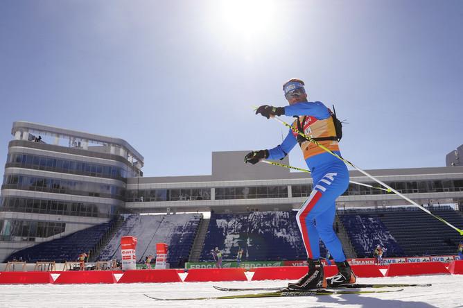 Итальянский биатлонист на трассе лыже-биатлонного комплекса «Лаура»