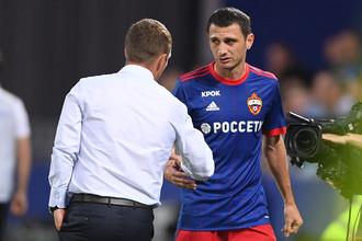 Виктор Гончаренко очень надеется на удачную игру Алана Дзагоева (справа)