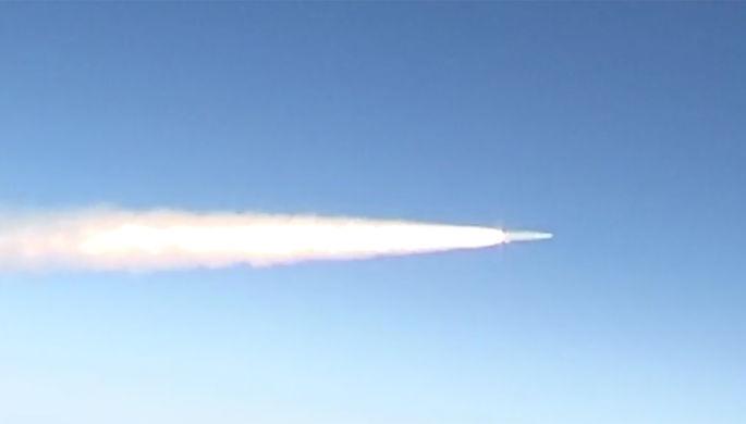 Запуск «Кинжала»: СМИ показали видео с учений в Черном море