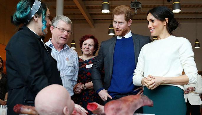 Принц Гарри и Меган Маркл во время визита в Белфаст, март 2018 года