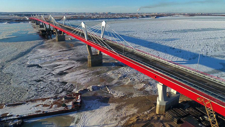 Названы сроки по допуску автомобилей на мост через Амур в Благовещенске