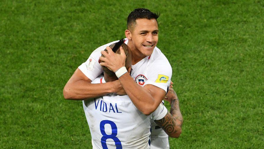 От игры Артуро Видаля и Алексиса Санчеса во многом зависит выступление сборной Чили в финале Кубка...