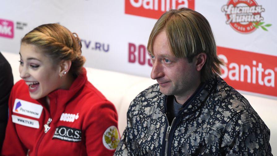 Плющенко показал фотографию коттеджей российских фигуристок