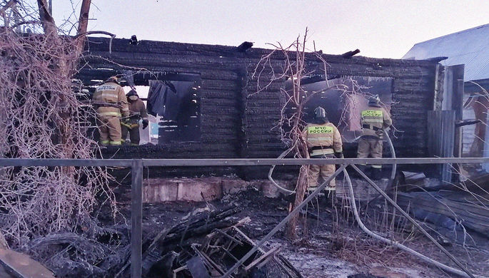 На месте пожара в доме престарелых в деревне Ишбулдино, 15 декабря 2020 года