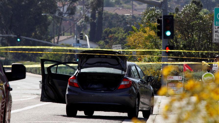 Отец оставил близнецов в США умирать в машине на жаре
