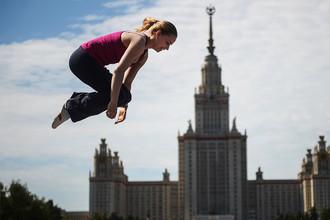 Главное здание МГУ на Воробьевых горах в Москве, 2014 год