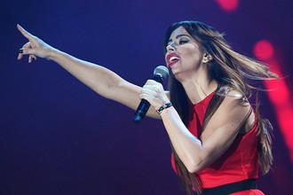 Певица Ани Лорак на церемонии вручения национальной музыкальной премии «Золотой граммофон» в СК «Олимпийский» в Москве