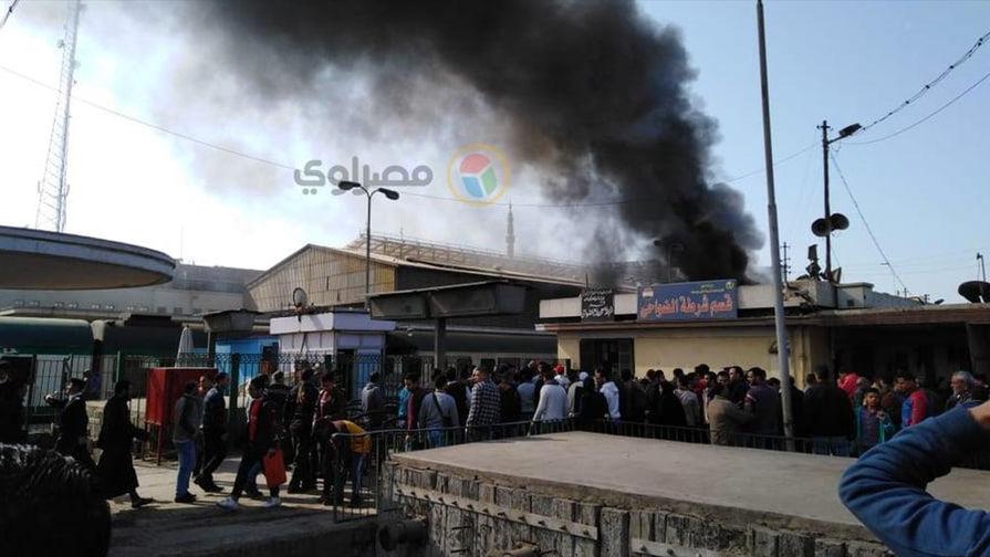 После пожара в поезде с десятками жертв министр транспорта Египта подал в отставку