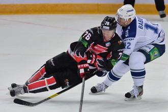 «Динамо» шесть раз ставило «Авангард» в тупик