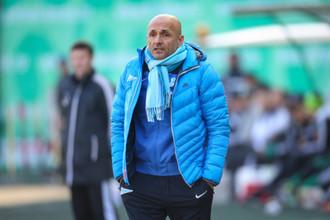 Главному тренеру «Зенита» в последнее время приходится нелегко