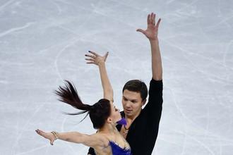 Екатерина Боброва и Дмитрий Соловьев в короткой программе танцев на льду командных соревнований по фигурному катанию на Олимпийских играх в Пхенчхане