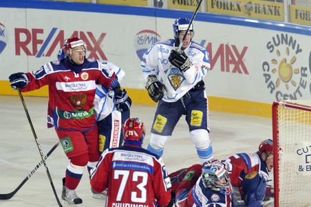 Хоккеисты сборной России вспомнили времена «Золотой шайбы»