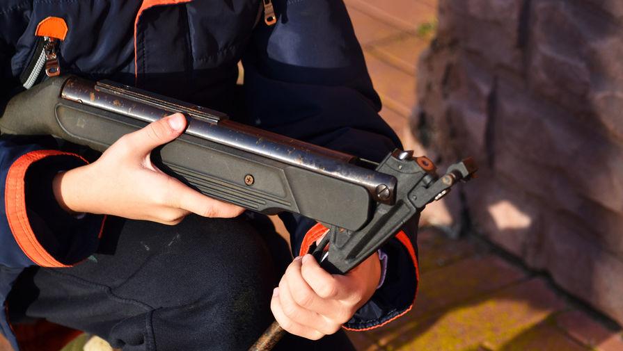 В Приморье пенсионер открыл стрельбу из пневматики по подросткам