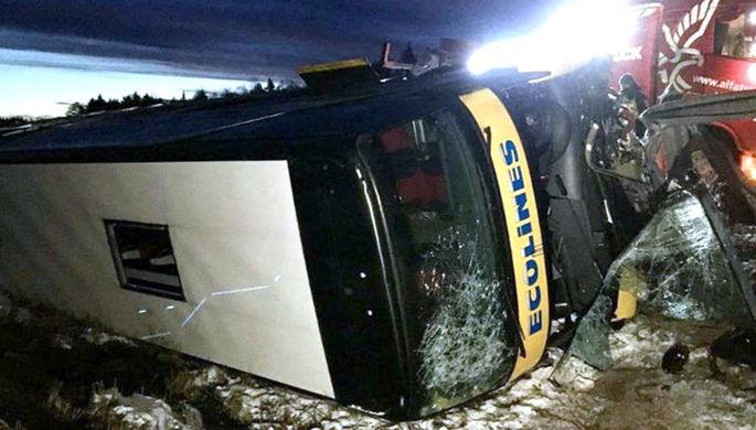 Десятки пострадавших: под Псковом произошло ДТП с автобусом