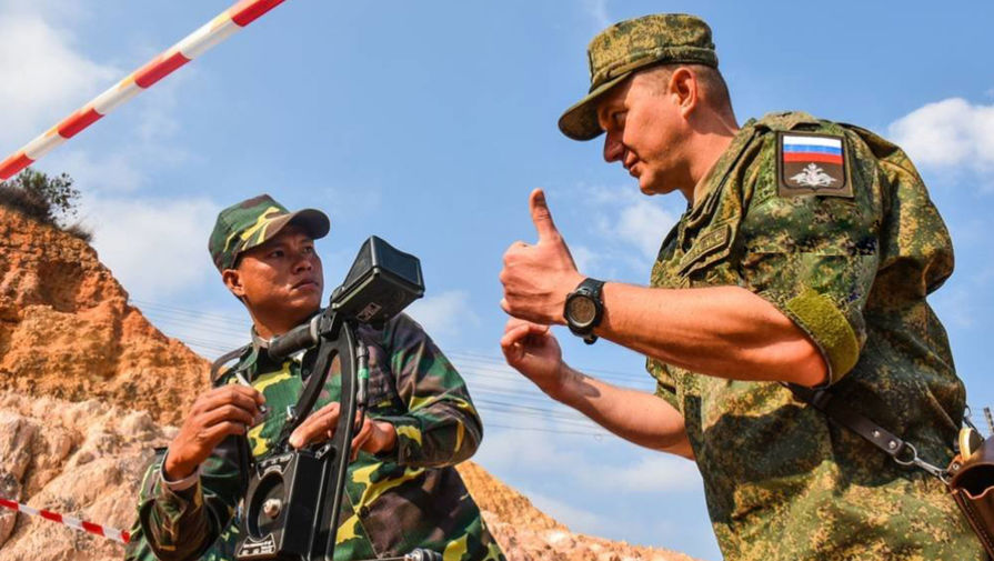 Прицел на базу: зачем Россия очищает Лаос от мин