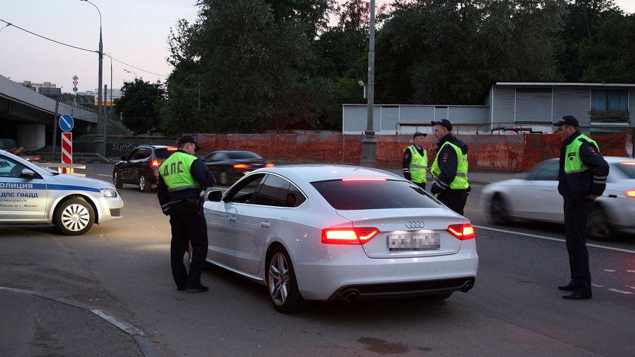 «Живой щит» из гражданских машин выставили для поимки нарушителя под Владимиром