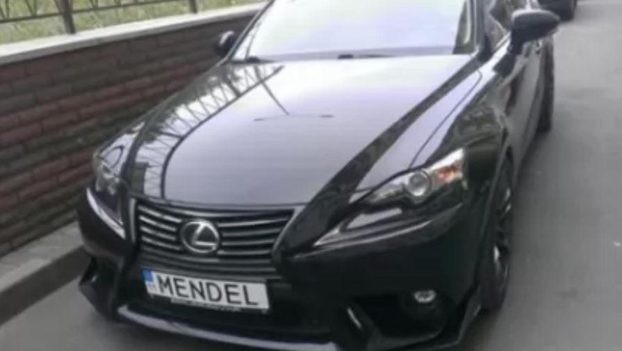 Авто с именным номером нашли у пресс-секретаря Зеленского