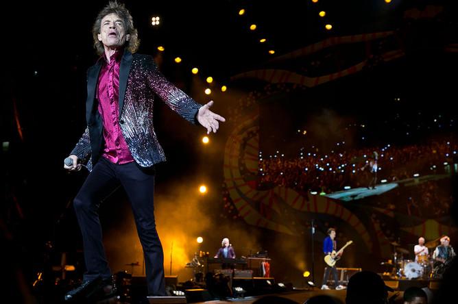 Cолист The Rolling Stones Мик Джаггер во время концерта в Гаване
