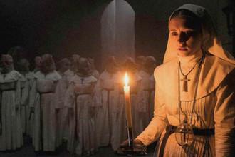 Кадр из фильма «Проклятие монахини» (2018)