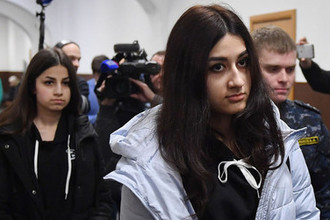 Спал с дочерьми? Что скрывают адвокаты сестер Хачатурян