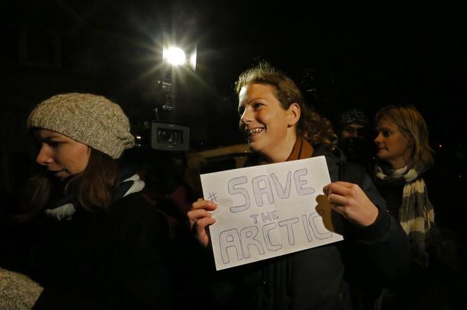 Активистка Greenpeace Ана Паула после освобождения