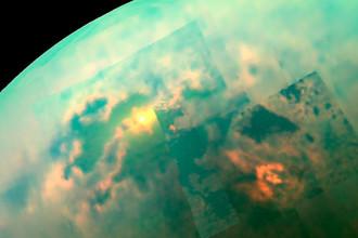 Солнце освещает моря Титана