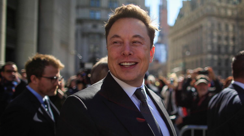 Маск лично проследит за тратами сотрудников Tesla