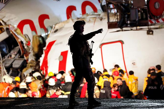 Последствия крушения самолета Boeing 737 в аэропорту Стамбула, 5 февраля 2020 года