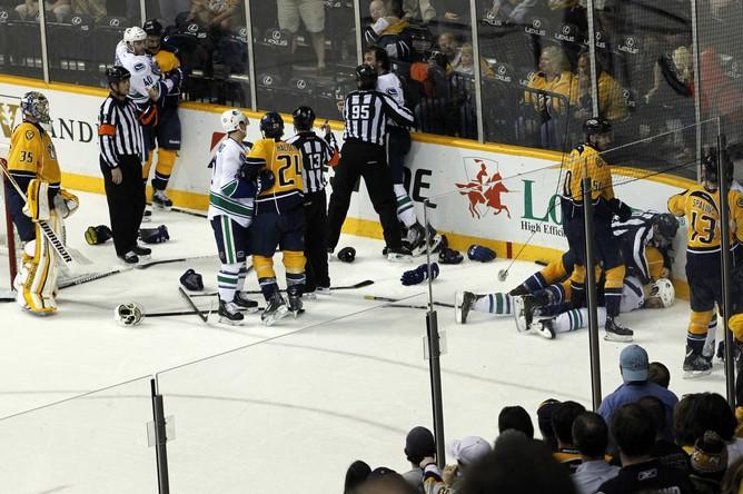Хоккеисты «Предаторз» проиграли, но бились за победу