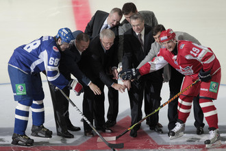 Матч звезд КХЛ 2011 года — «Команда Яшина» против «Команды Ягра»