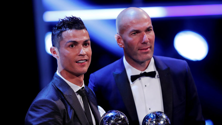 Игрок года по версии ФИФА Криштиану Роналду (слева) и тренер года Зинедин Зидан